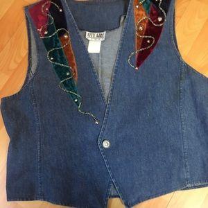 City Girl Sport Denim Vest Size 16 Multi Color EUC